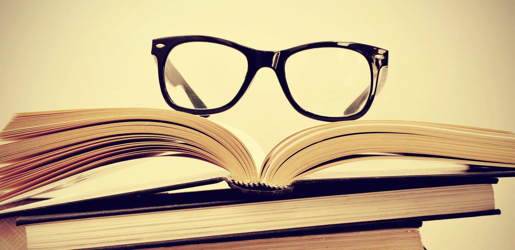 Testa sui libri?